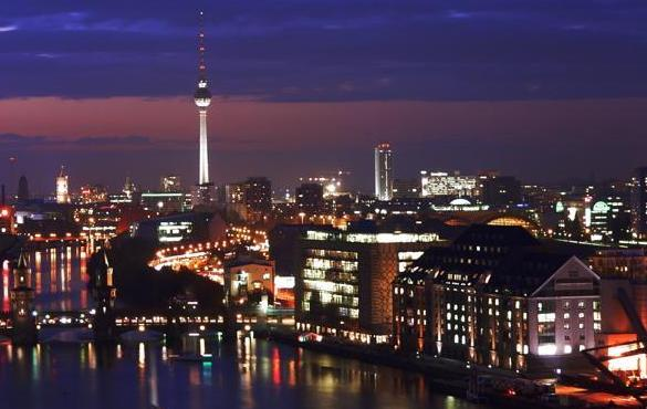 Berlin_Mitte_by_night
