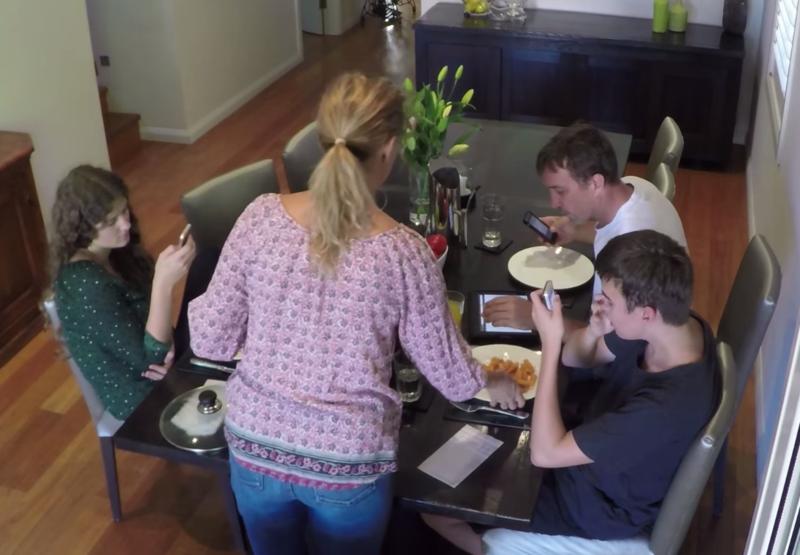 Rockwell - Modern family dinner